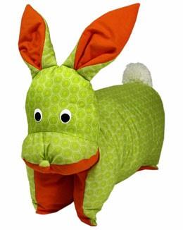 Kuscheltier / Kissen Hase grün-orange